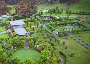 Australian collection ross garden tours for Rural australian gardens